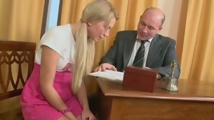 Roasting older teacher is seducing hottie's lusty beaver