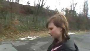 tenåring babe blowjob utendørs amatør offentlig kjønn
