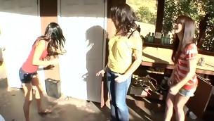tenåring pornostjerne brunette gruppe utendørs fest