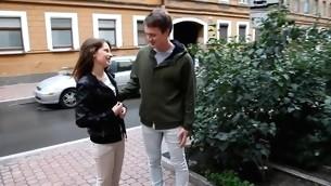 tenåring virkelighet brunette amatør russisk slikking