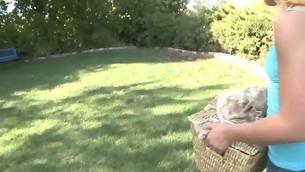 tenåring blonde naturlige pupper utendørs amatør kjæresten kjæresten