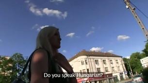 tenåring babe virkelighet blonde utendørs amatør synspunkt offentlig kontanter