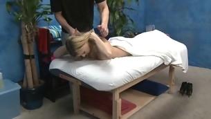 tenåring babe blonde hardcore piercing olje massasje kjønn fitte
