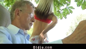 tenåring babe blowjob gammel mann sjarmerende pornostjerne blonde gammel og ung sædsprut