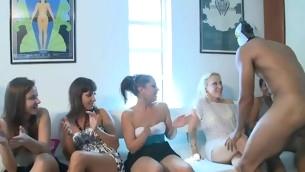 tenåring blowjob virkelighet gruppe hardcore amatør fest orgie strippe rype