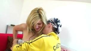 tenåring blowjob blonde barbert fitte på toppen hardcore amatør hårete sexy sædsprut