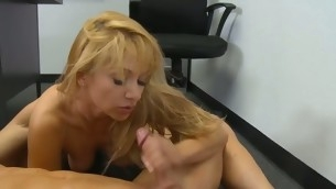 tenåring blowjob doggystyle handjob blonde barbert fitte hardcore amatør skolejente normale pupper