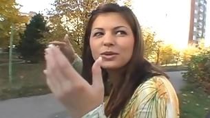 tenåring babe blowjob brunette naturlige pupper ass utendørs amatør synspunkt offentlig