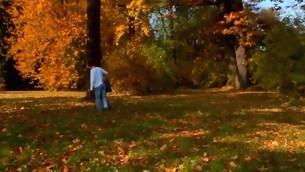 tenåring doggystyle kyssing blonde barbert fitte utendørs skjeden ridning