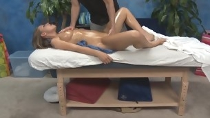tenåring babe blowjob blonde hardcore ass piercing olje massasje kjønn