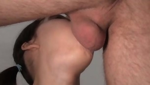 tenåring blowjob doggystyle brunette hardcore european amatør små pupper tynn pigtail
