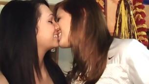tenåring blowjob kyssing gruppe hardcore amatør lesbisk høyskole student orgie