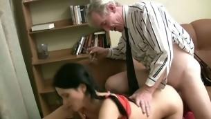 tenåring blowjob doggystyle gammel mann brunette gammel og ung hardcore russisk coed student