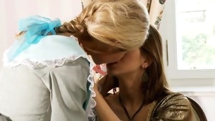 tenåring brunette blonde fitte slikking uniform lesbisk fingring sexy