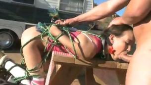 tenåring babe fetish bondage innbundet kinky utendørs sæd puling søt