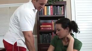 tenåring pornostjerne brunette barbert fitte naturlige pupper onani hardcore nærhet fitte slikking skolejente