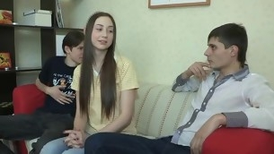 tenåring babe virkelighet brunette hardcore amatør russisk små pupper kjæresten hanrei