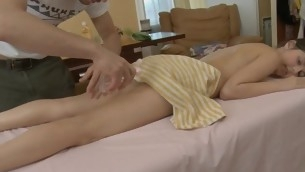 Youthful masseur is getting a hard boner from massaging hottie