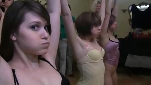 tenåring leketøy amatør lesbisk høyskole fest