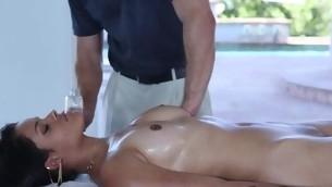 tenåring babe pornostjerne brunette ass store pupper olje massasje