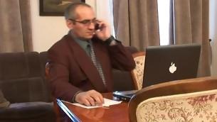 tenåring blowjob gammel mann brunette gammel og ung russisk coed student pigtail sofa