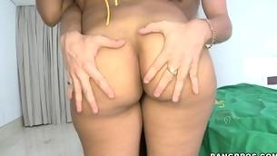 tenåring blowjob handjob naturlige pupper hardcore ass latina