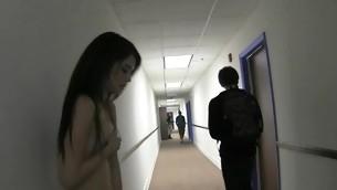 tenåring blowjob gruppe hardcore amatør høyskole student orgie kondom sucking